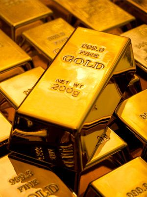 Gold Up, Boosted by U.S. Treasury Yields Retreat